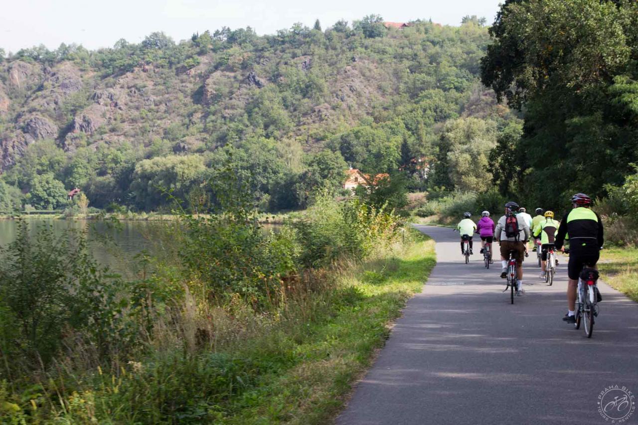 PRAGUEDRESDEN ELBE RIVER TOUR Km Miles Prahabikecz - Elbe river